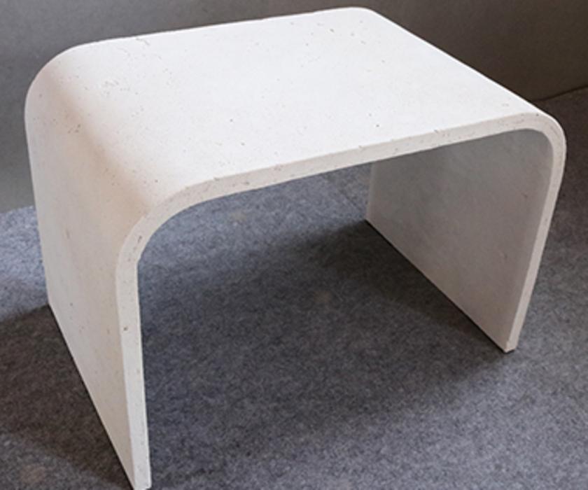 U型混凝土桌子