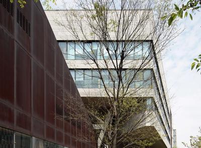 耐候钢板&纤维水泥板的对话——同济大学中法中心